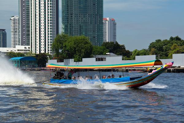 Lontail Boot auf dem Chao Phraya
