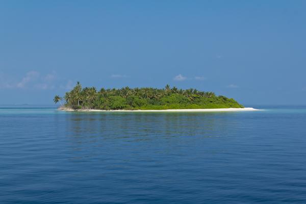 Die kleine Malediveninsel Kudadu