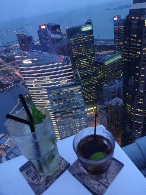 Drinks im 1 Altitude Singapur