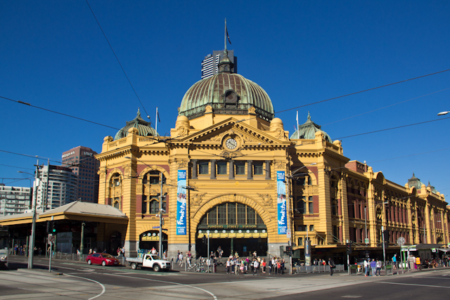 Die Flinders Street Station in Melbourne