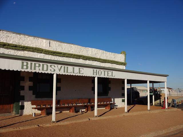 Das historische Birdsville Hotel ist bekannt für das eiskalte Bier