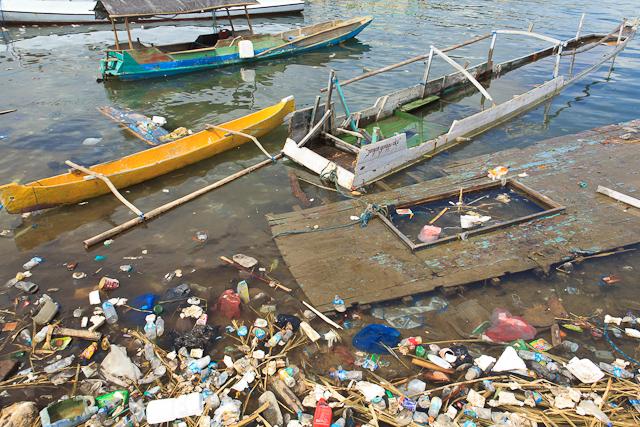 Wirf keinen Abfall in unsere Ozeane