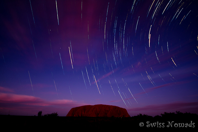 Sternenbahnen über dem Uluru