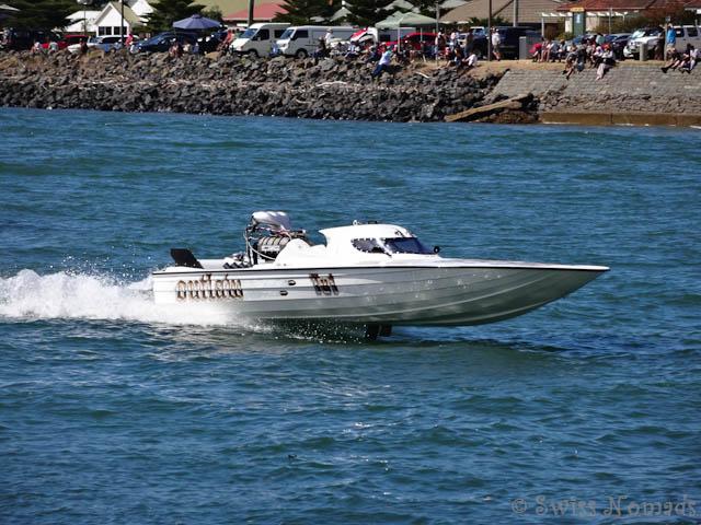 Powerboat Regatta in Devonport