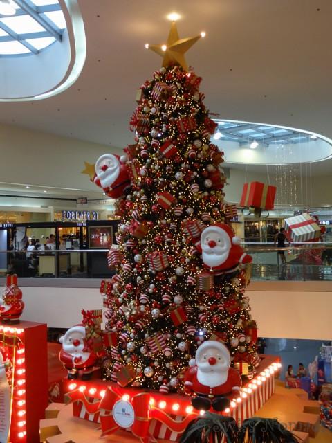 Weihnachtsbaum in der Mall of Asia