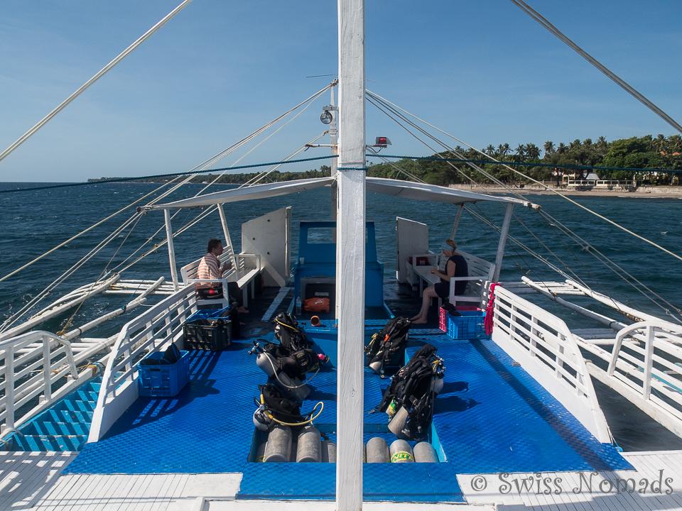Grosszügiges Tauchboot von Liquid Dumaguete in Dauin