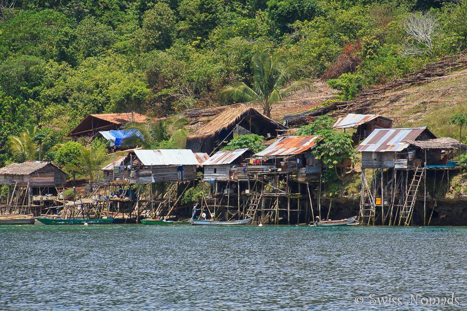 Die Dörfer in Raja Ampat sind einfach und die Bewohner leben meist vom Fischfang