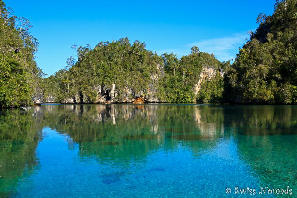 Spiegelglattes Wasser in der Hidden Bay