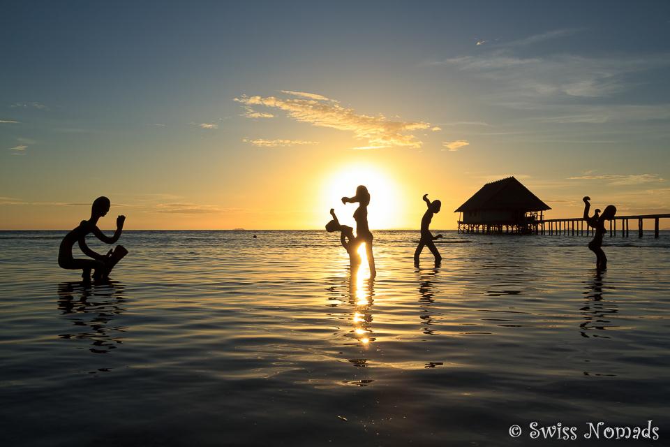 Wunderschöner Sonnenuntergang in Raja Ampat