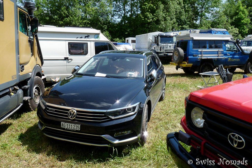 Die unterschiedlichsten Fahrzeuge auf der Camp-Area