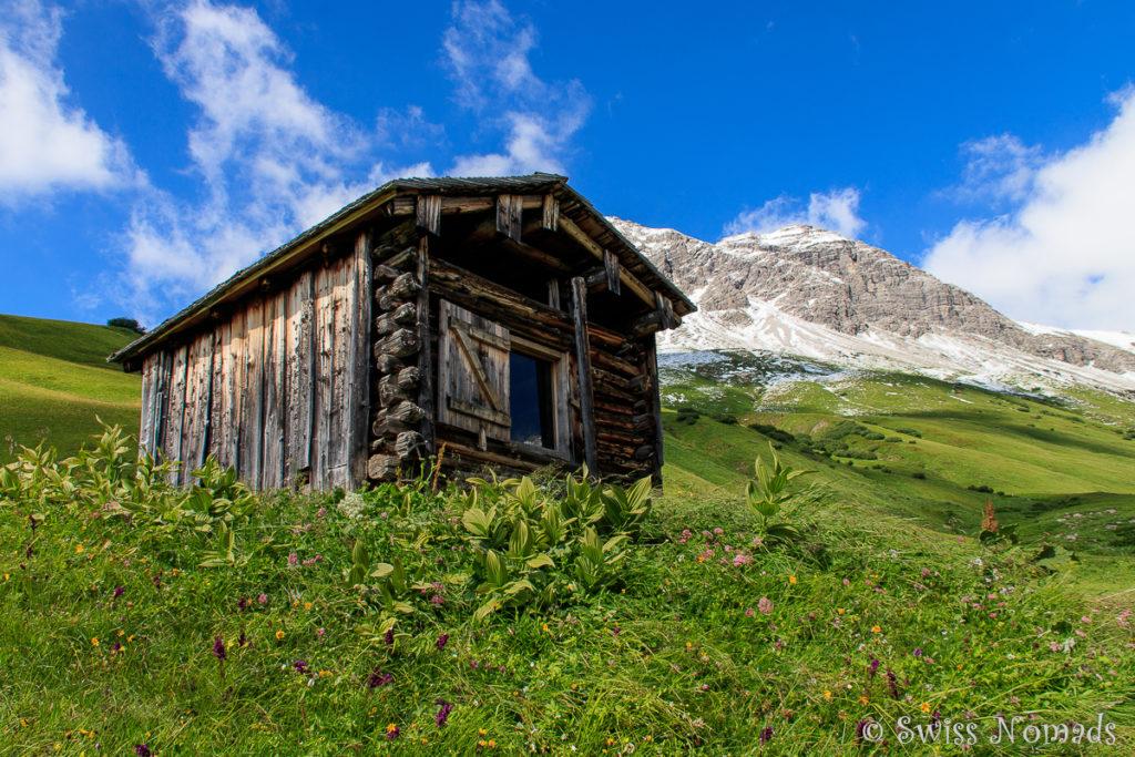 Wunderschöne alpine Landschaften beim wandern in Lech
