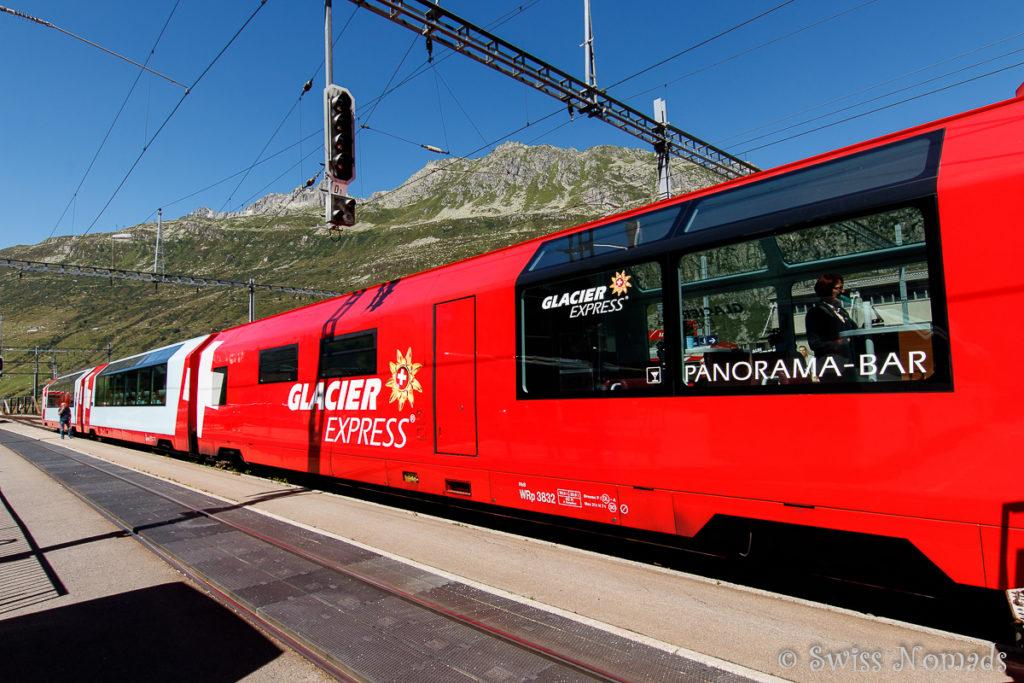 Die Panoramawagen des Glacier Express bieten grossartige Ausblicke