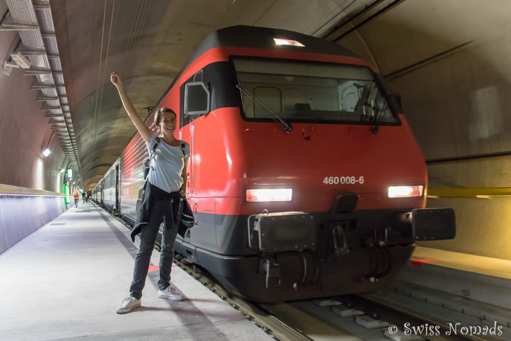 Reni vor dem Gottardino Sonderzug mitten im neuen Gotthard Basistunnel