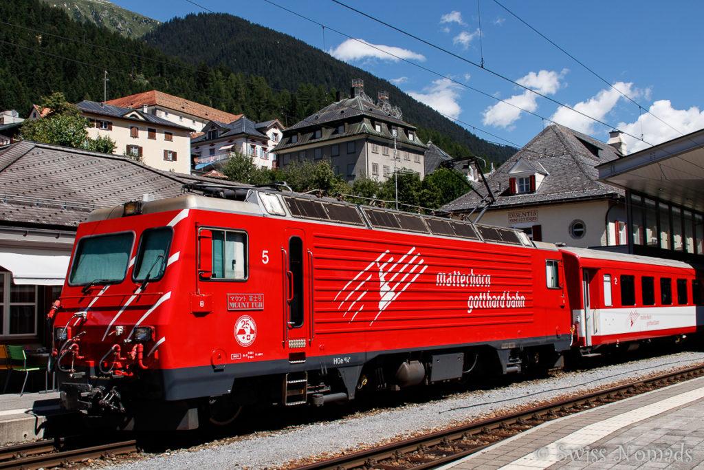 Die Matterhorn Gotthardbahn übergibt in Disentis an die Rhätische Bahn
