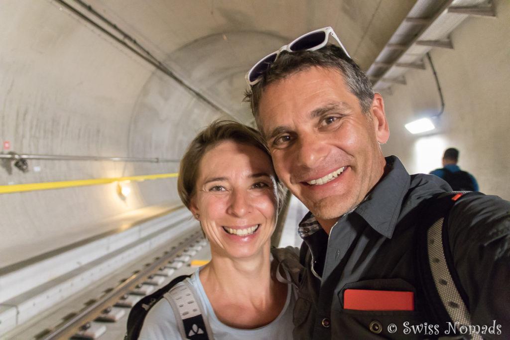 Wir beide im neuen Gotthard Basistunnel