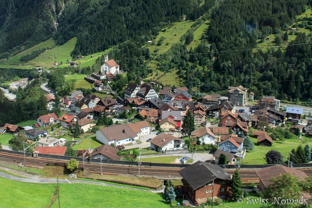 Die Streckenführung der Gotthard Bergstrecke ist bei Wassen sehr spektakulär