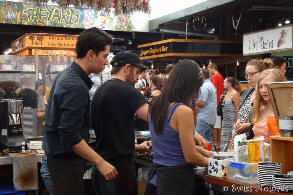 An den Wochenenden gibt es auch an den Fremantle Markes frisch gebrühten Kaffee