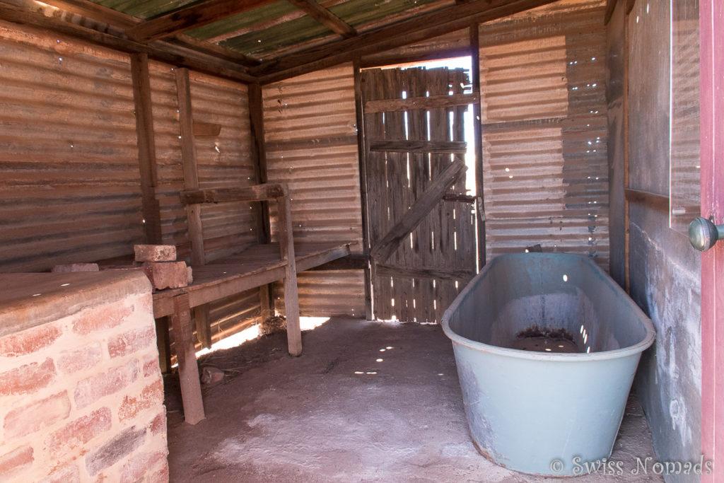 Einfaches Badezimmer im Gästehaus von Gwalia