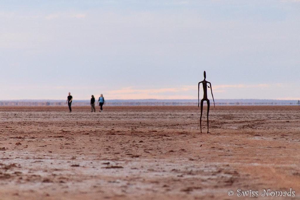 Wandern auf dem ausgetrockneten Salzsee
