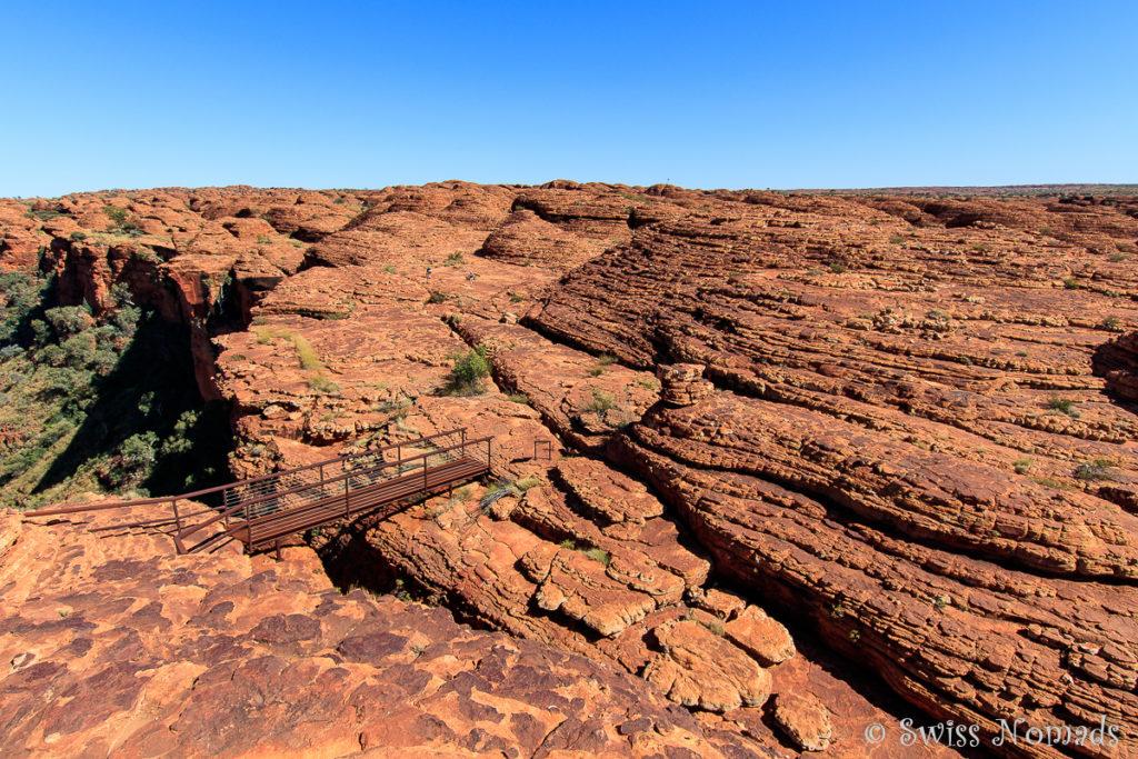 Der Kings Canyon Rim Walk führt durch ein Labyrinth von Sandsteinfelsen