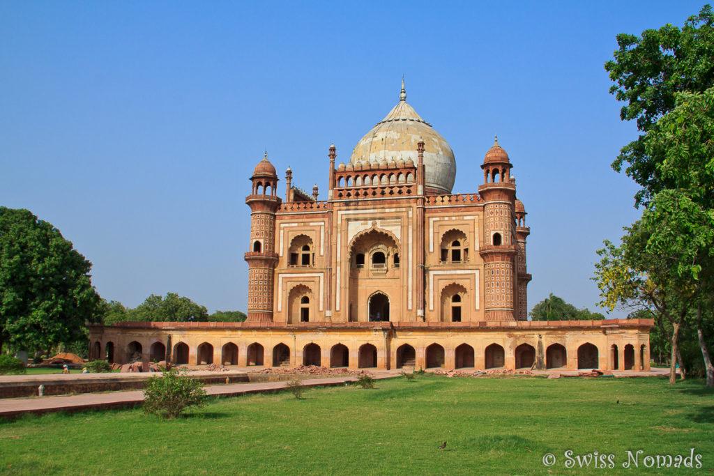 Das Safdarjung Tomb in Delhi