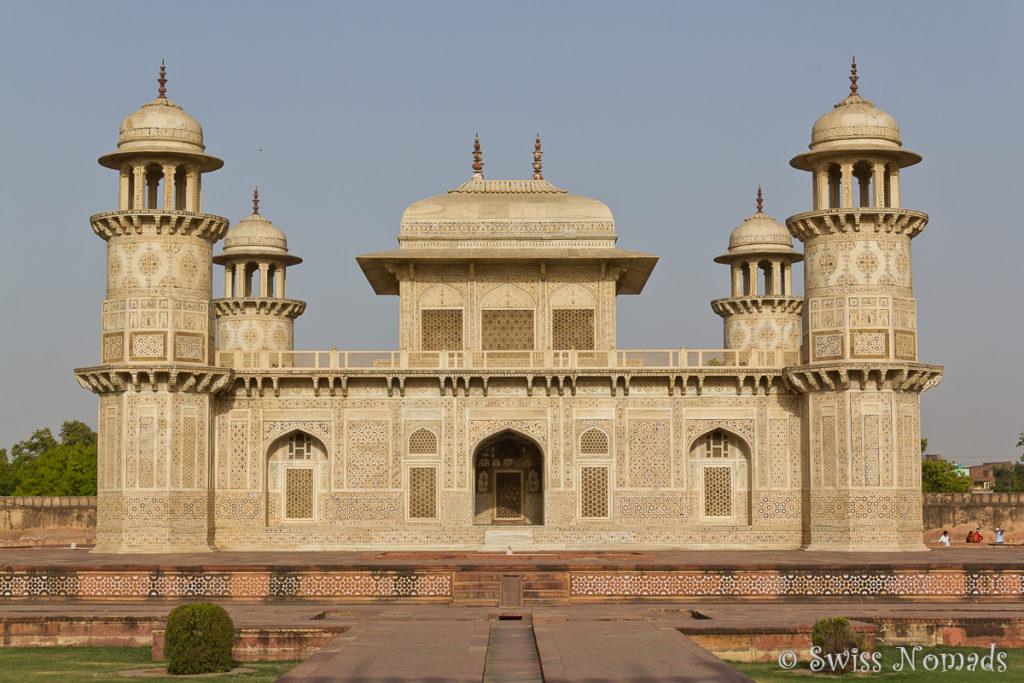 Das Itimad du daula in Agra ist auch als Baby Taj bekannt
