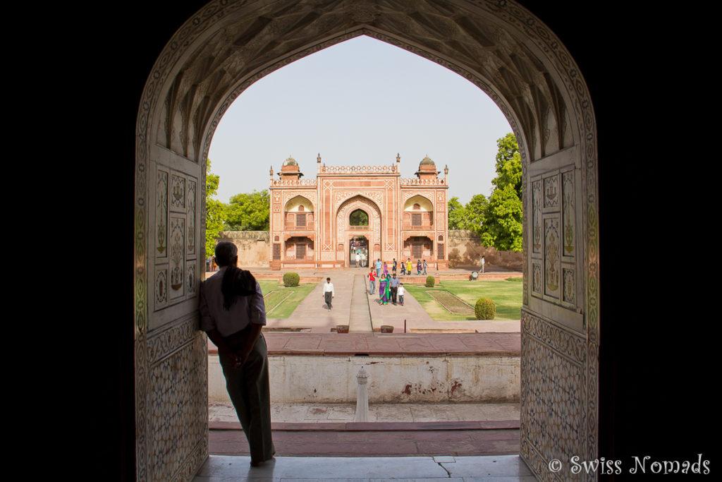 Der Eingang zum Itimad du Daula in Agra
