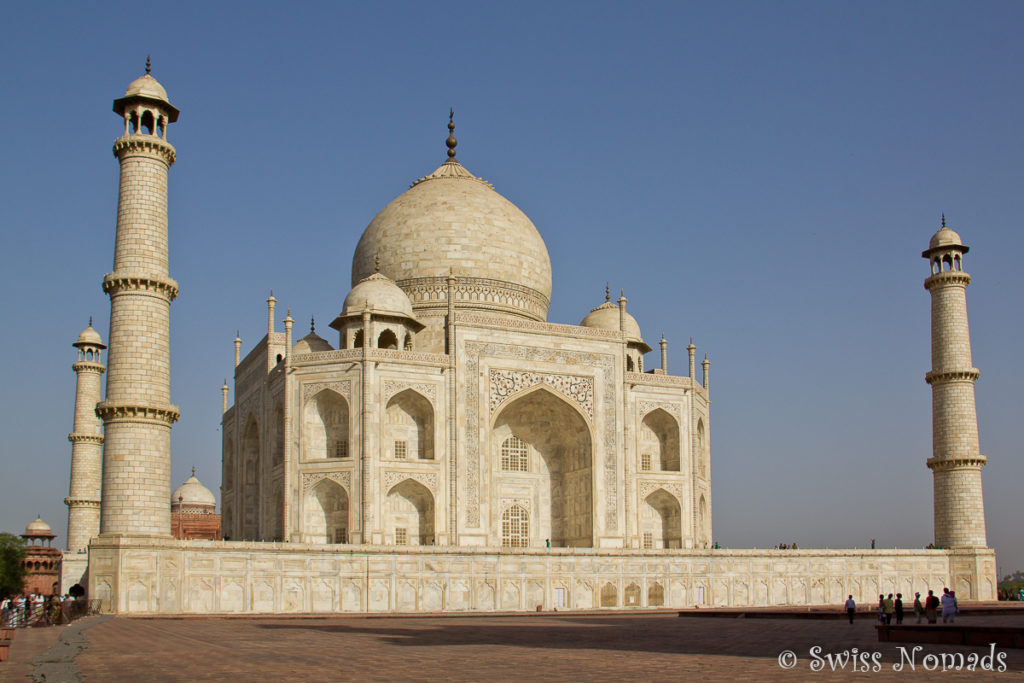 Das Taj Mahal wird wunderschön von der Morgensonne beleuchtet