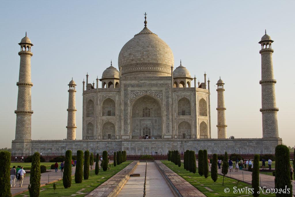 Das Taj Mahal in Agra am frühen Morgen