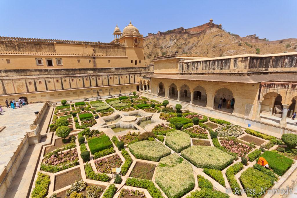 Der geometrisch gestaltete Garten im Amber Fort