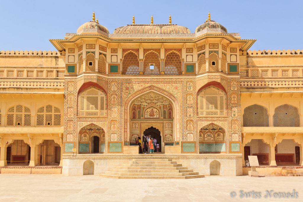 Das wunderschöne Gate zum Amber Fort