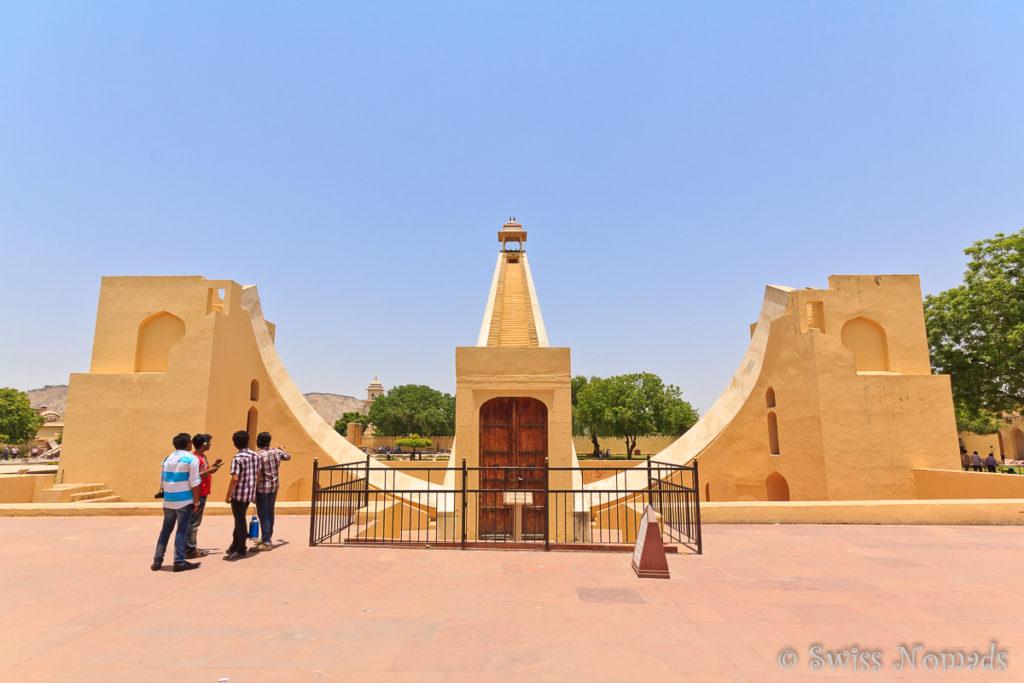 Das Jantar Mantar in Jaipur ist ein Observatorium mit riesigen Astronomischen Geräten