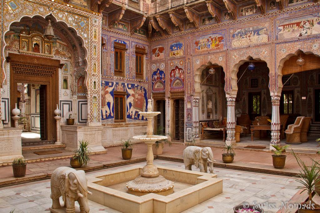 Der Innenhof des Nadine le Prince Haveli in Fatehpur