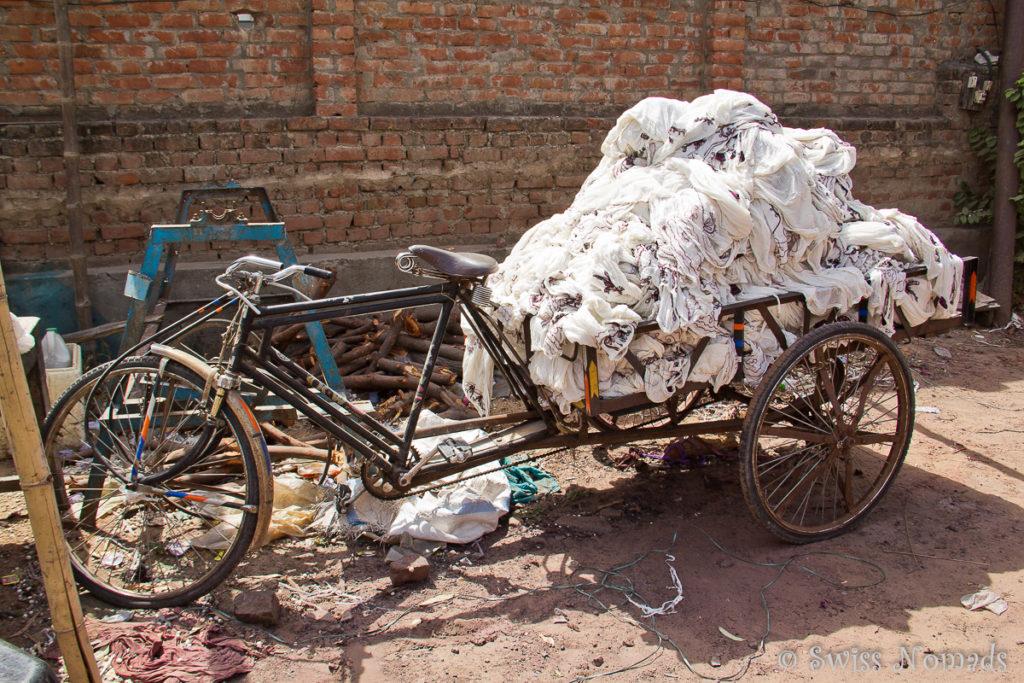 Die einfachen Transportmittel in Indien