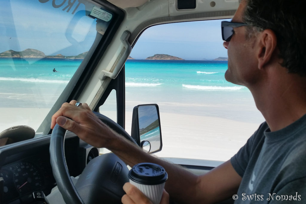 Fahren am Strand in der Lucky Bay