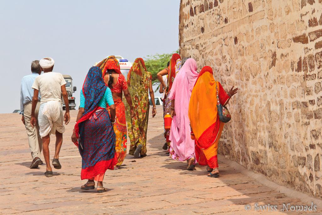 Die bunten Saris der Frauen in Indien