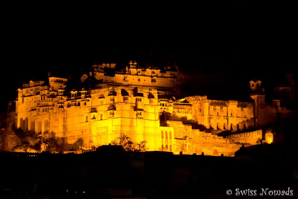 Das Taragarh Fort in Bundi in der Nacht