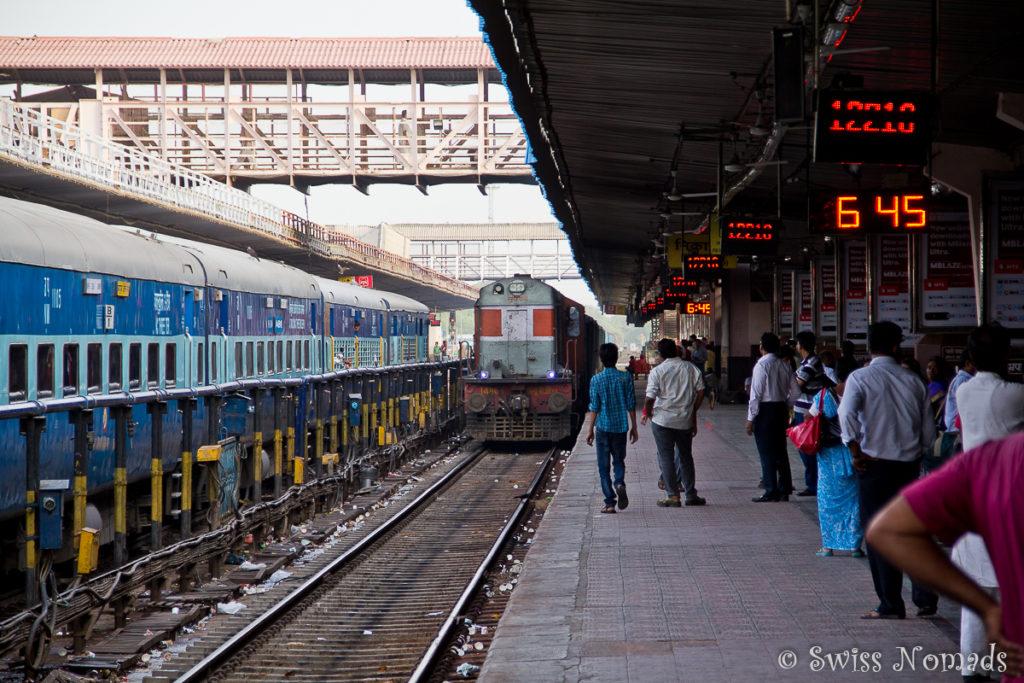 Auf dem Bahnhof in Jaipur
