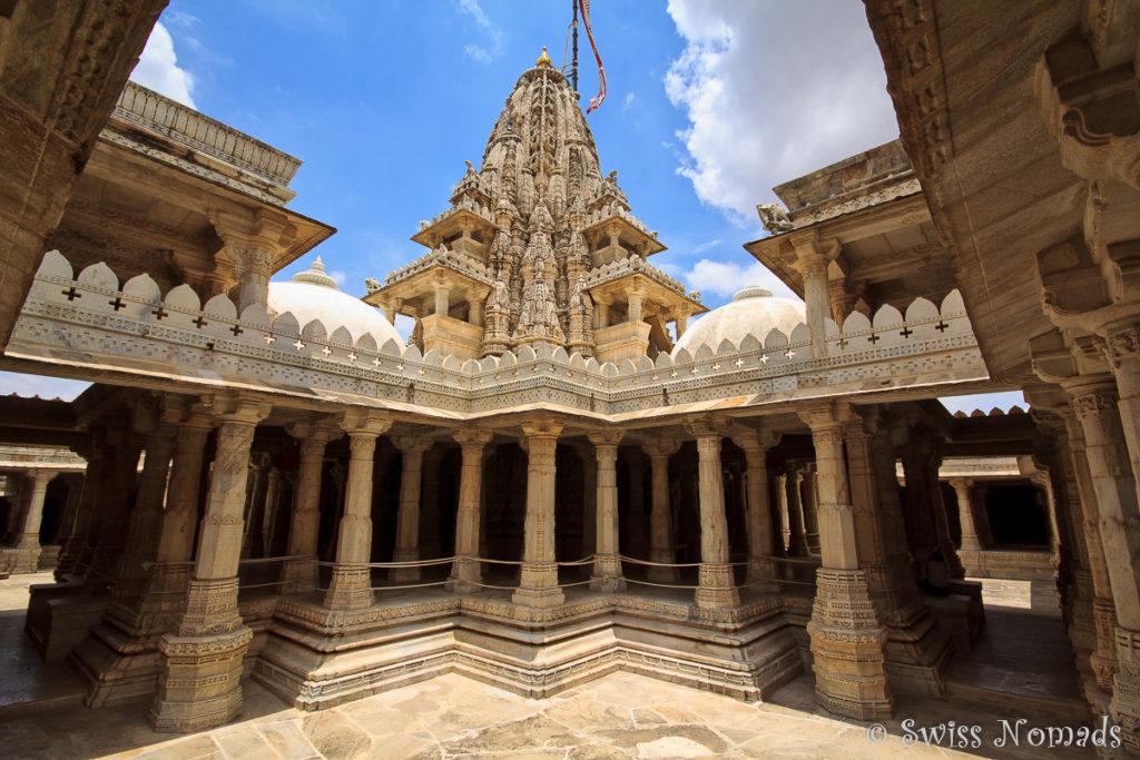 Pavillon im Adinatha Jain Tempel in Ranakpur