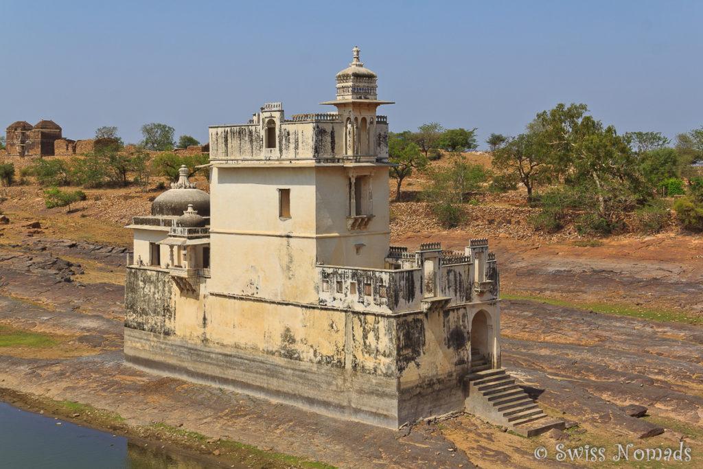 Rani Padmini im Chittorgarh Fort im künstlichen angelegten See