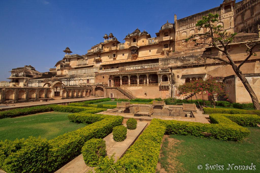 Der schöne Palastgarten im Taragarh Fort in Bundi