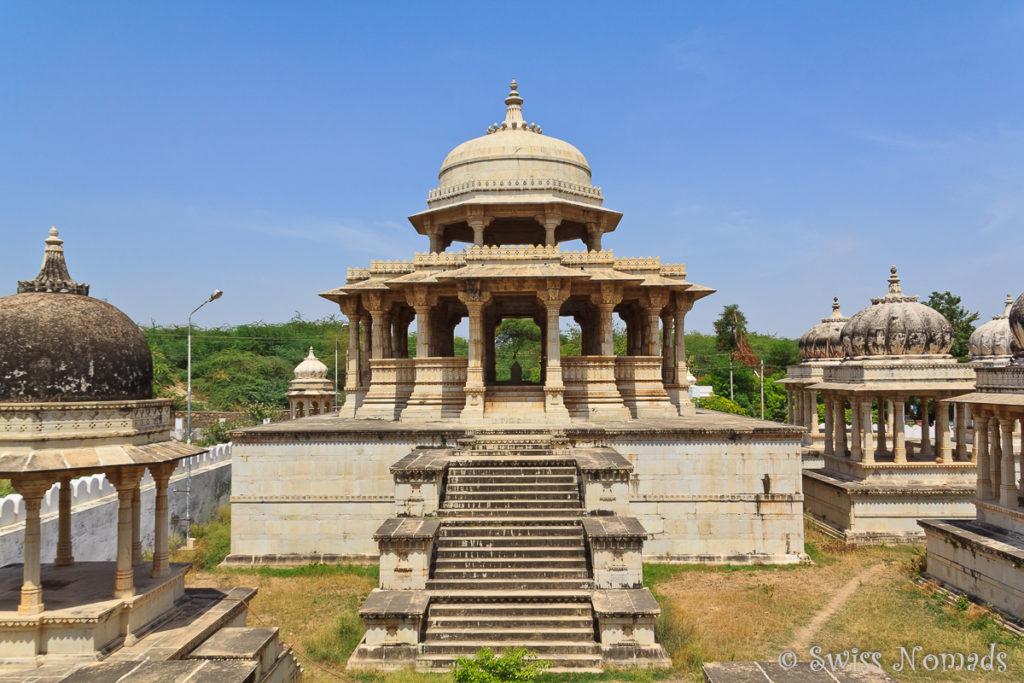 Die Zenotaphe von Ahar sind eine Sehenswürdigkeit bei Udaipur