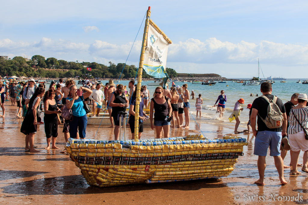 Darwin Beer Can Regatta am Strand