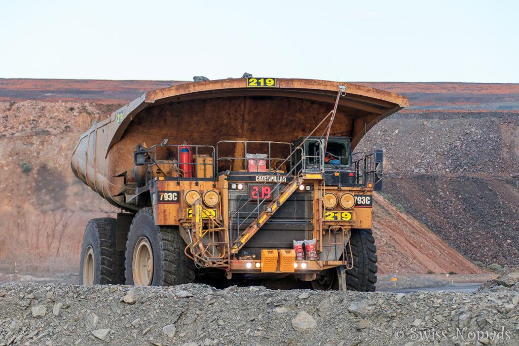 Riesiges Minen Fahrzeug in Kalgoolrlie-Boulder