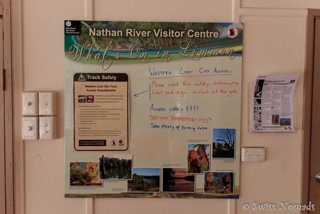 Info Tafel zur Western Lost City im Limmen Nationalpark