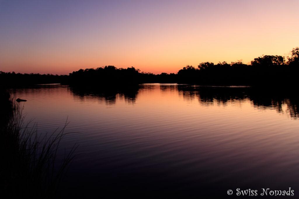 Sonnenuntergang beim Towns River im Limmen Nationalpark