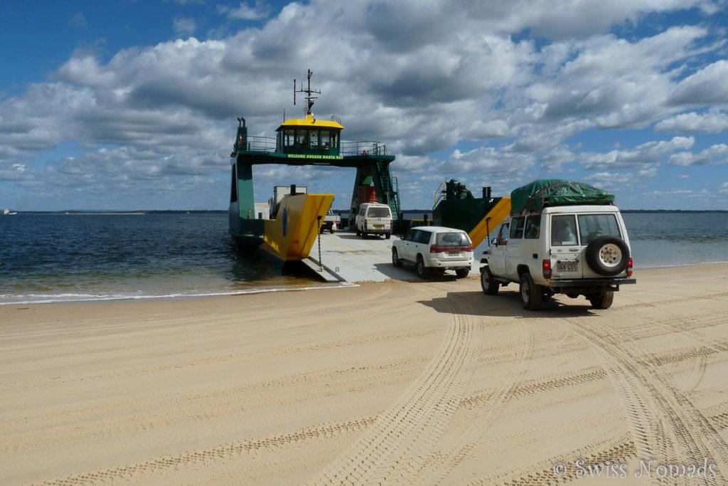 Die Manta Ray Fähre beim Hook Point auf Fraser Island