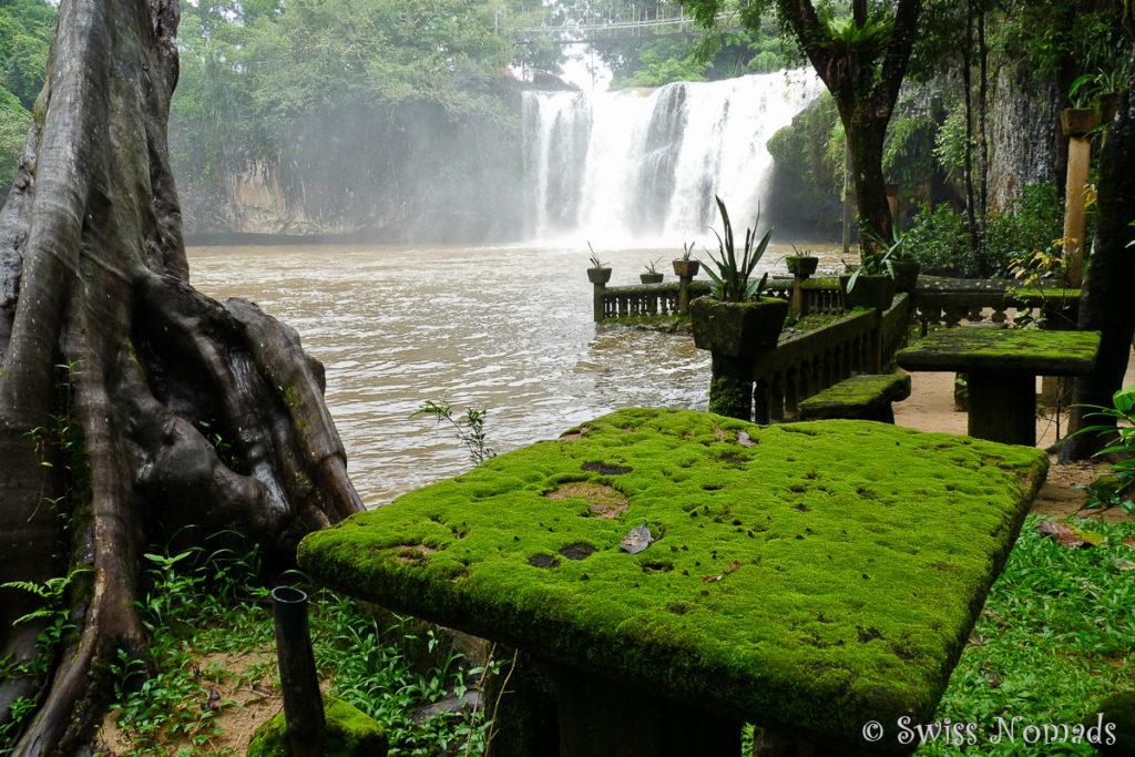 Wasserfall im Paronella Park