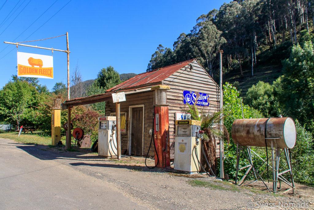 Historische Tankstelle bei Woods Point