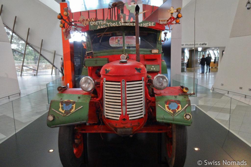 Canberra Sehenswuerdigkeiten National Museum